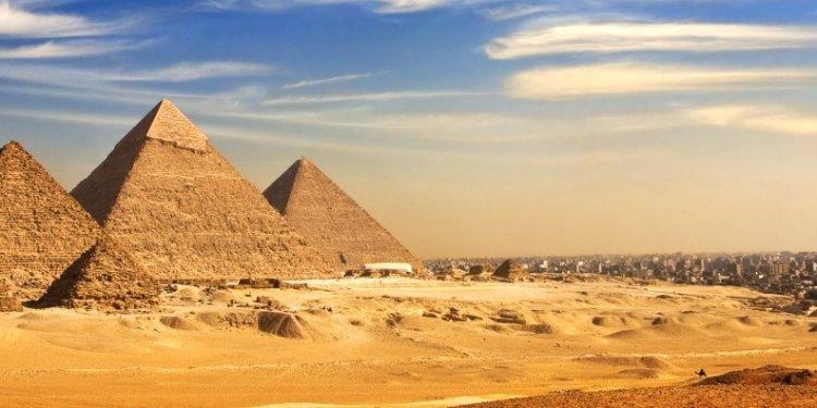 _06102015_816_Pyramids