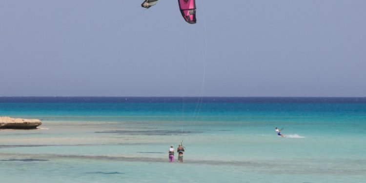 Kitesurfing in Egypt - Travel