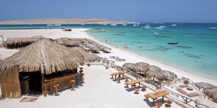 UK tells Egypt travellers: